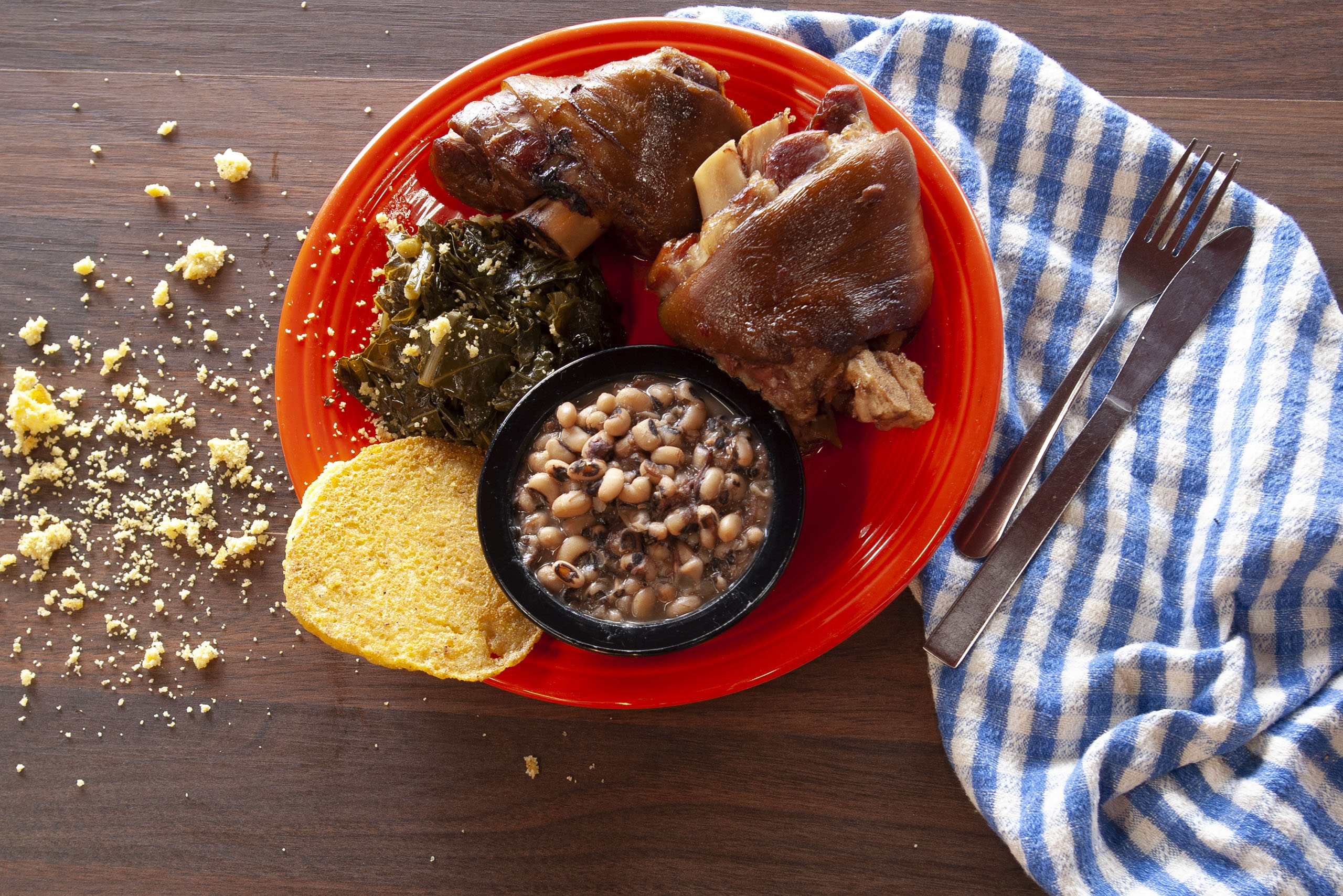 sac's kitchen, southern cooking, soul food, meat and three, meat and two, huntsville restaurant, food deals